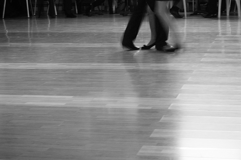 Bailemos otra vez